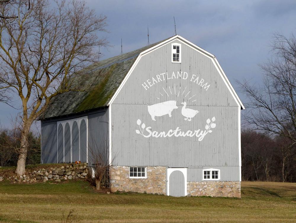 Heartland_barn.jpg