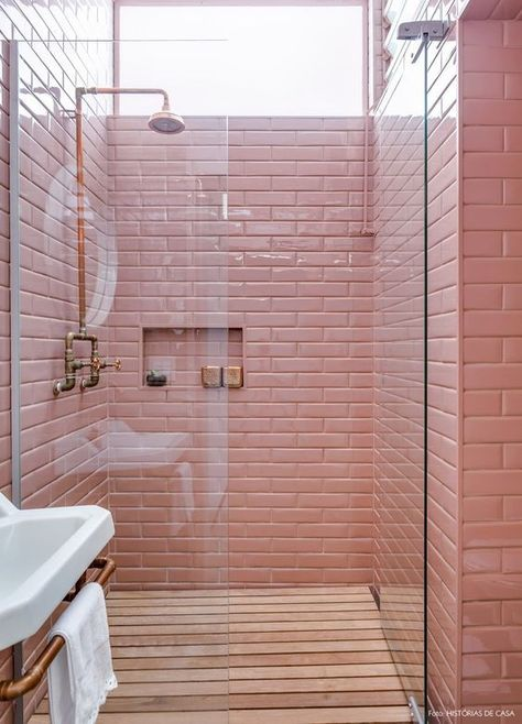 colourfulbathrooms1.jpg