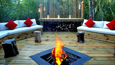 Feu de camp Trogon House Forest & Spa