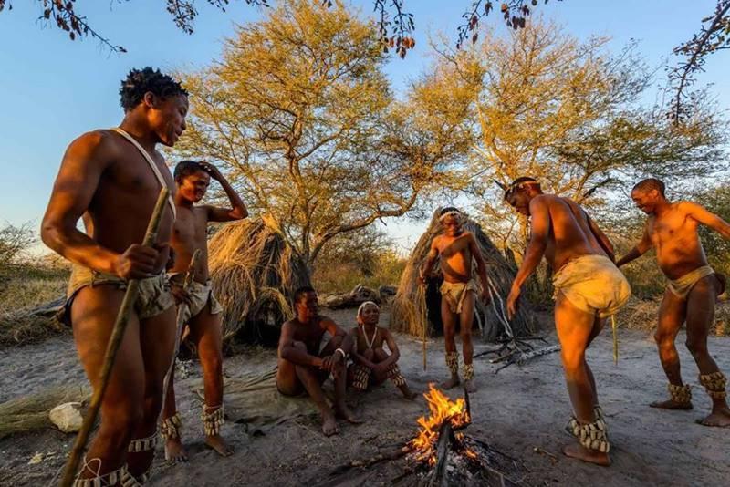 Danse tribue Haina Kalahari Lodge