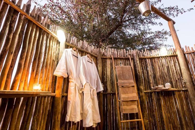 Douche extérieure Haina Kalahari Lodge