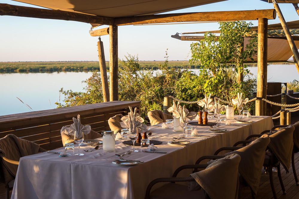 Table Lunch sur terrasse Duma Tau Camp