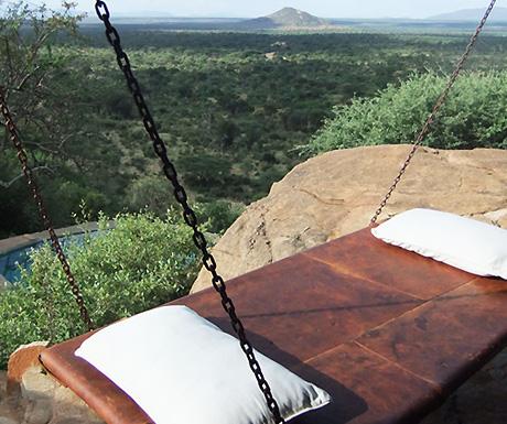 Swing Bed Tassia Lodge