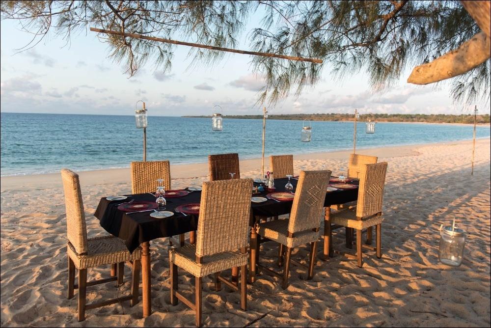 Déjeuner sur plage Nuarro