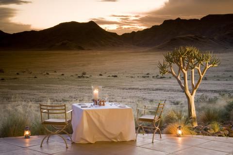 Dîner aux chandelles Sossuslvlei Desert Lodge