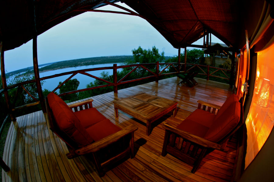 Terrasse d'une chambre Mweya Safari Lodge