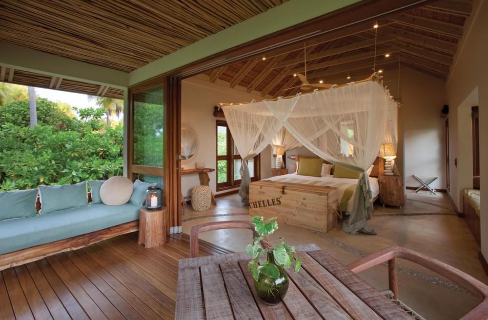 Chambre et terrasse Desroches Island