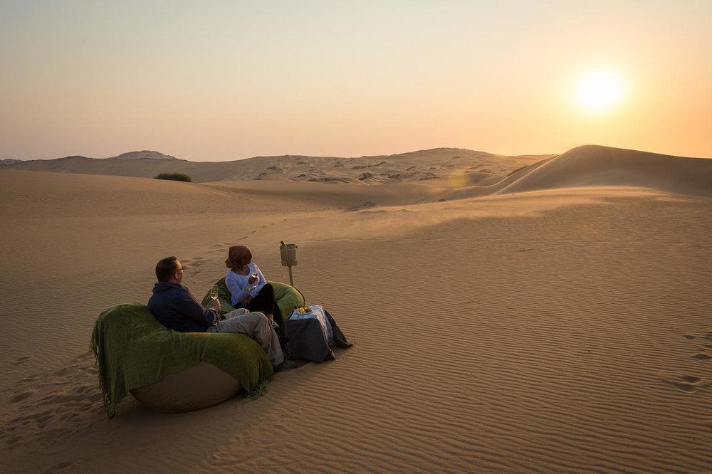 Coucher de soleil dans le désert Serra Cafema