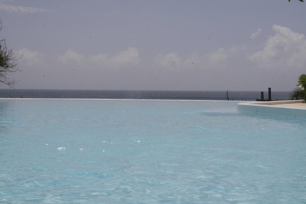 Voyage de noces Romance Kenyane - piscine de Msambweni Beach House