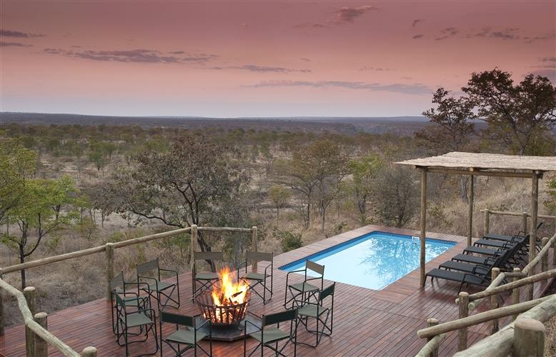 Safari du Cap aux chutes Victoria - piscine à The Elephant camp
