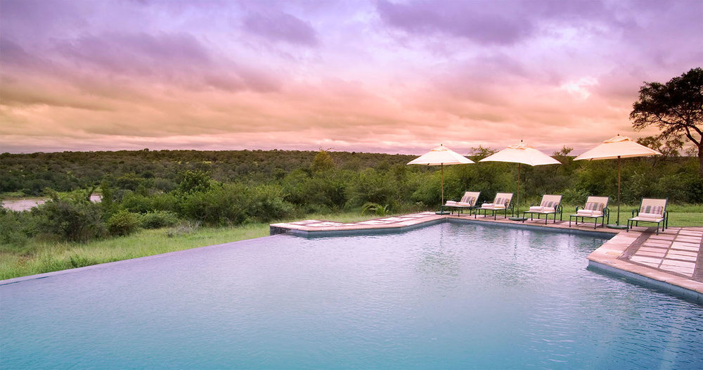 Safari du Cap aux chutes Victoria - piscine du Kirkman's kamp