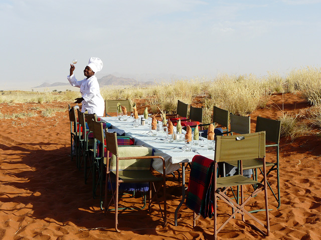 Trek dans le désert namibien - repas au Tok Tokkie trails