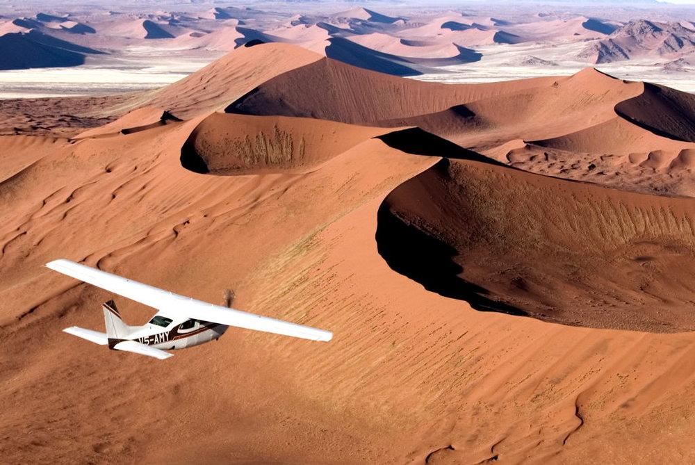Safari la côte des Squelettes - survol du désert du namib