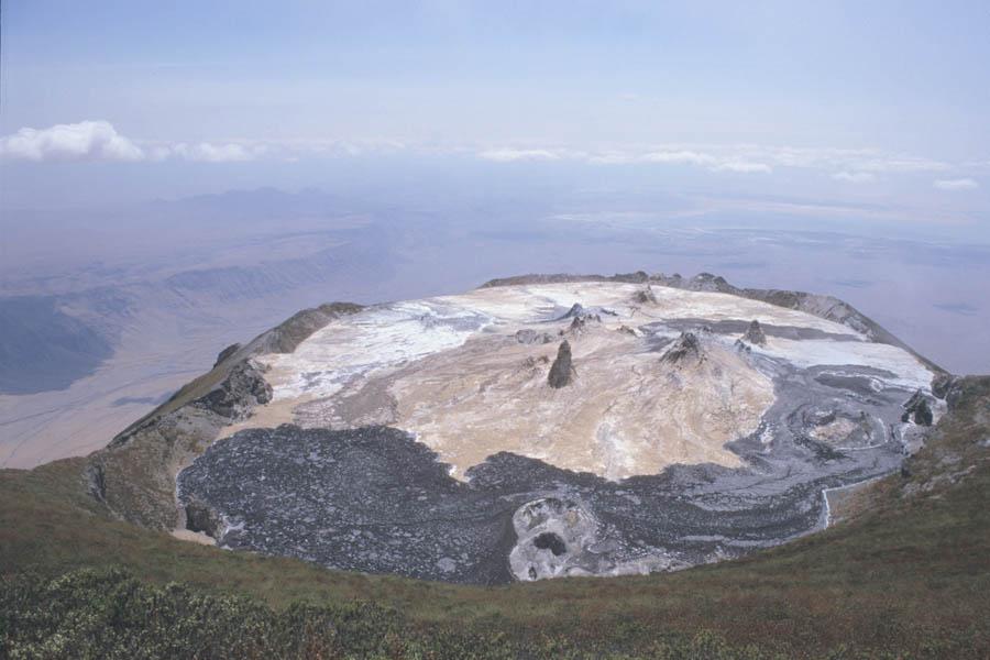 Trek sur l'Oldoinyo Lengai - vue aérienne du Lengai
