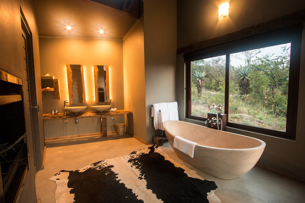 Salle de bain du Rhino Ridge Safari lodge