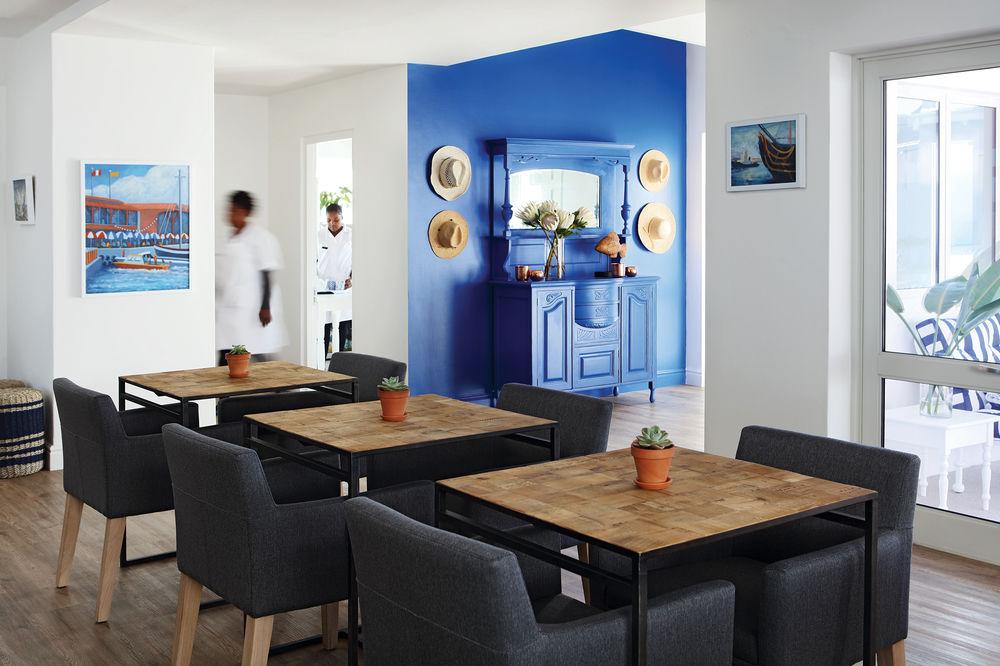 Salle du petit-déjeuner au One Marine Drive