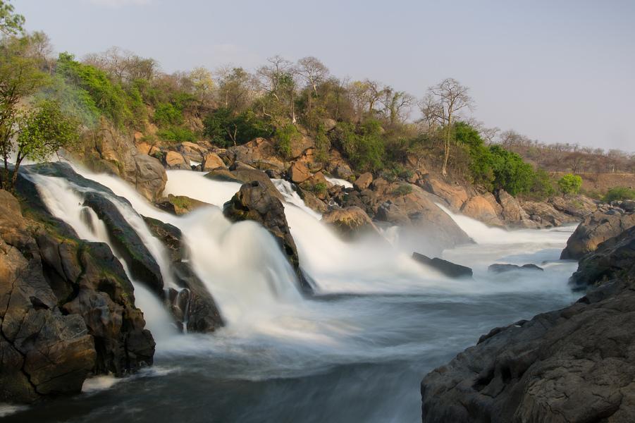 Safari Hors des Sentiers Battus - chutes d'eau à Mkumuladzi