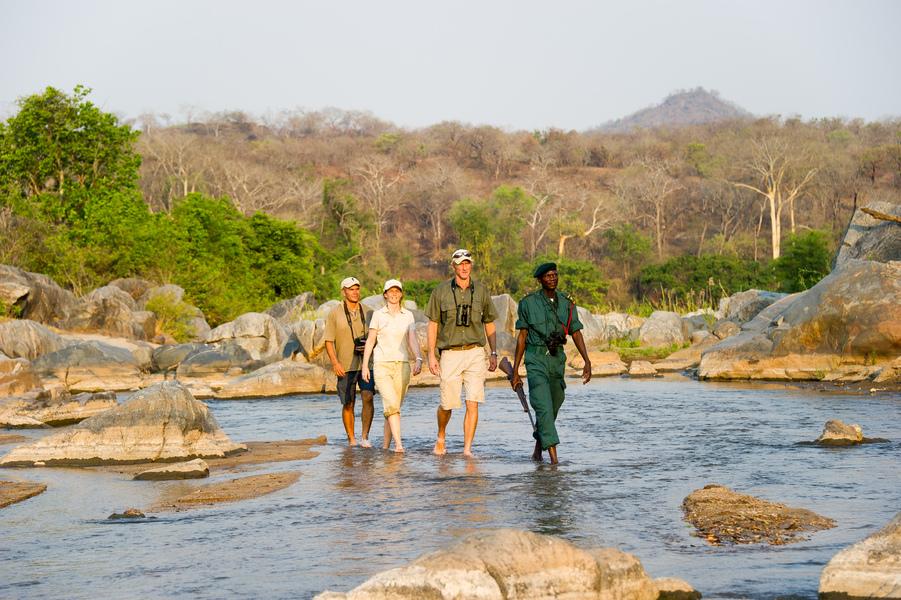 Safari Hors des Sentiers Battus - marche à Mkumuladzi