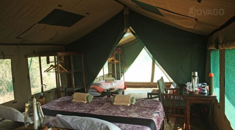 Safari Hors des Sentiers Battus Tanzanie - intérieure tente à Mdonya Old River camp