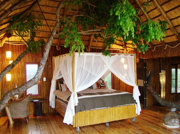 Intérieur cabane de Pezulu Tree House