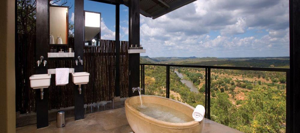 Voyage de noces Kruget et Seychelles - salle de bain honeymoon The Outpost