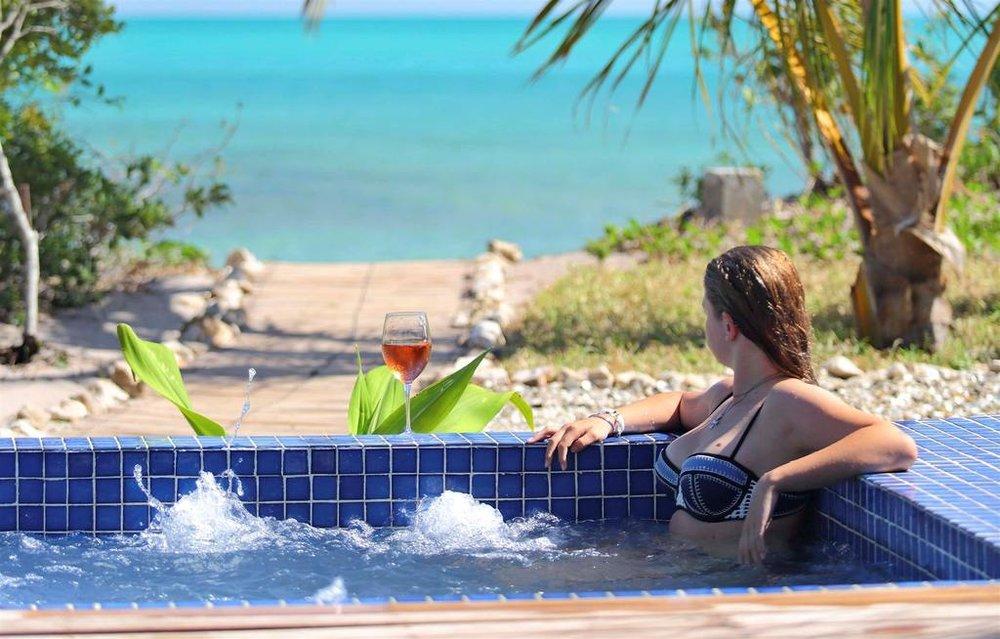 Piscine privée Villa Royale à Azura Benguerra Island