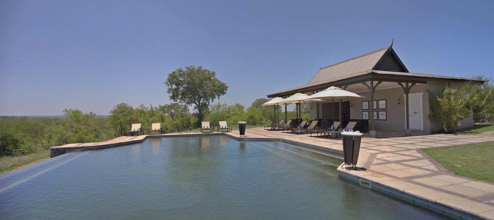 Voyage de noces Mozambique à la romantique - piscine du Kirkman's kamp