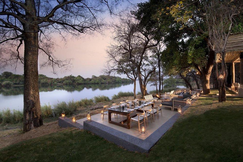 Repas à Matetsi River House