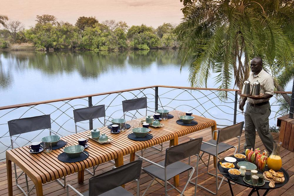 Repas au Thorntree River lodge