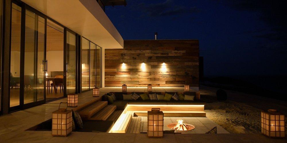 Morukuru-Beach-Lodge-fire-pit-1400x700_c.jpg