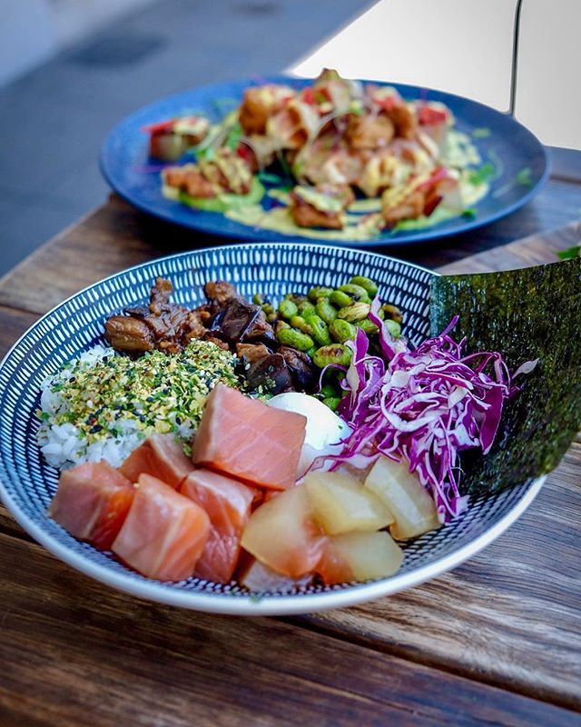 Who said poke bowls are a thing of the past? 🤤