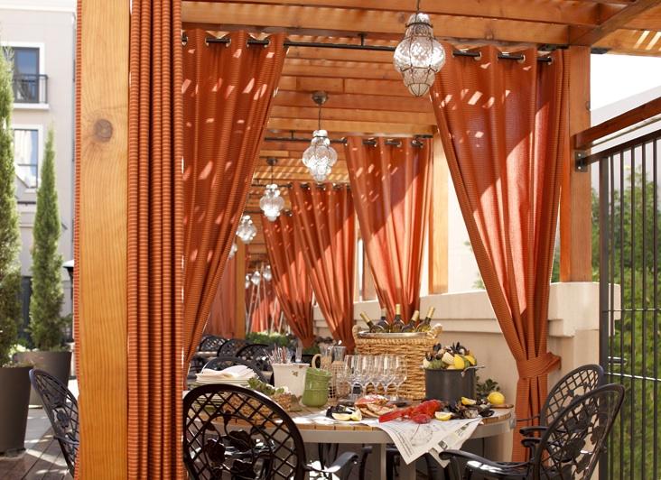 Avia Hotel - Napa, CA: Patio Dining