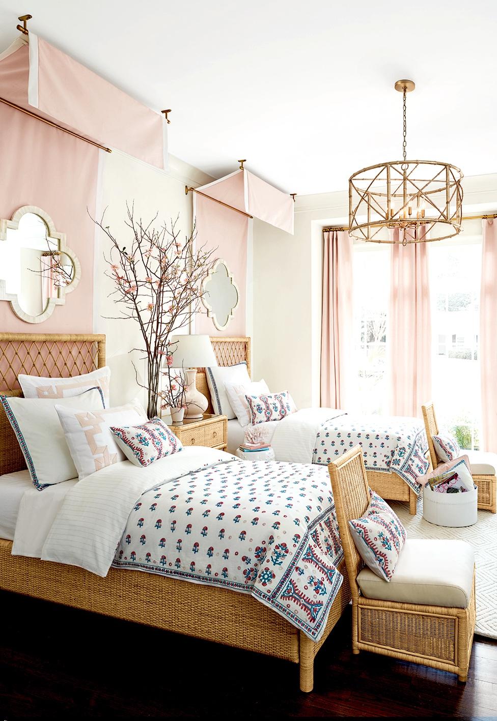 Suzanne Kasler: Bed Styling/Room