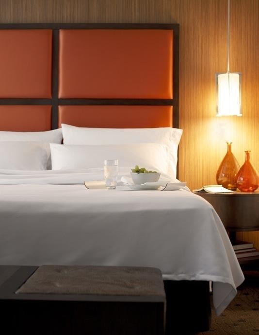 Avia Hotel - Napa, CA: Bed Styling