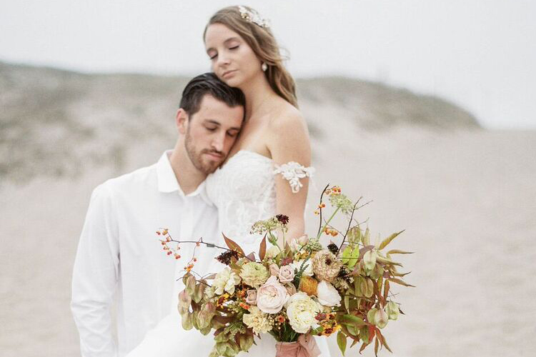 BIG SUR WEDDING SHOOT, MAGNOLIA ROUGE FEATURE /  PHOTOGRAPHY:  RACHEL HAYLIE PHOTOGRAPHY /  STYLING & PLANNING:  ASHLEY FERREIRA