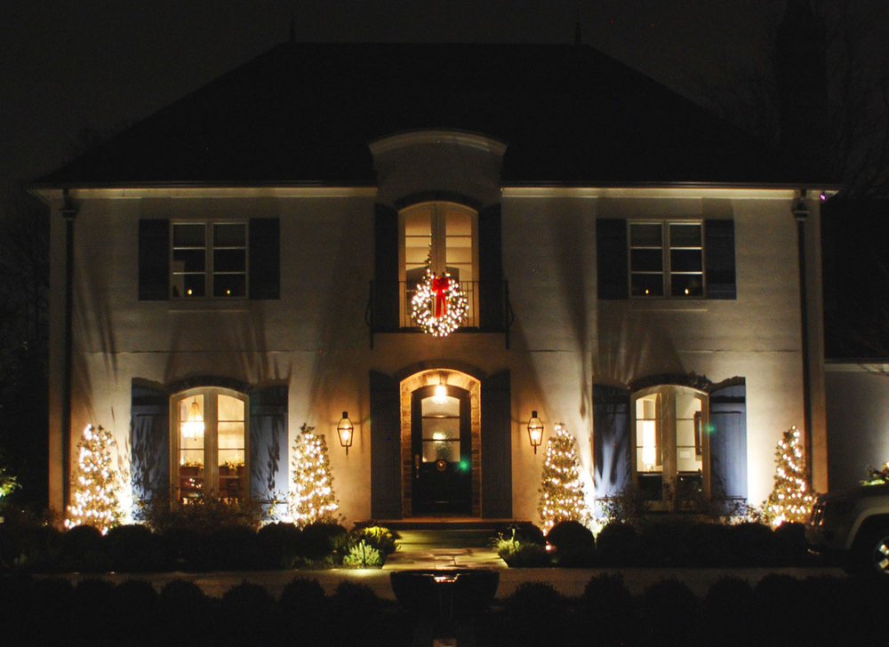 Christmas Light Installers & Holiday Decorations Indianapolis