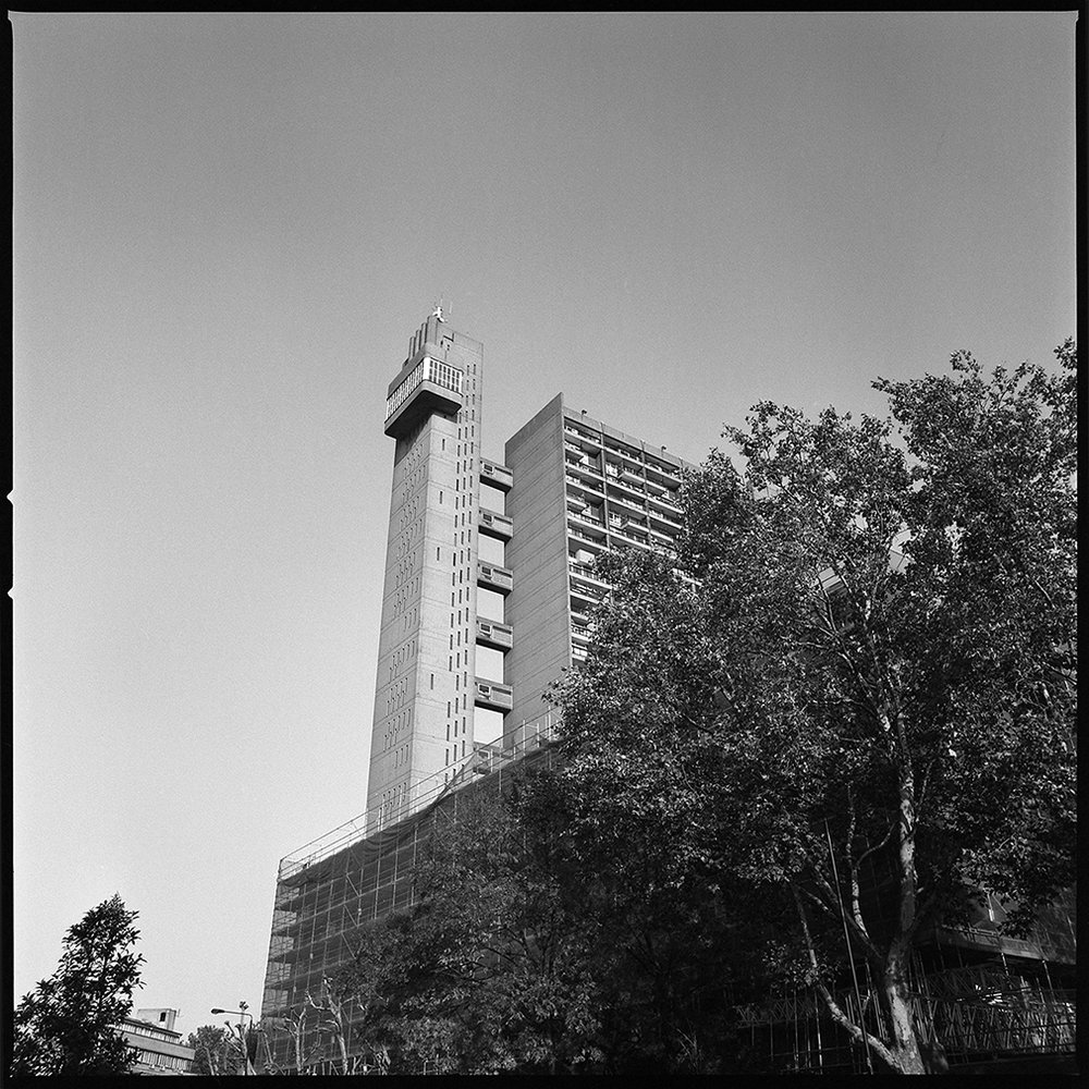 trellick tower side.jpg