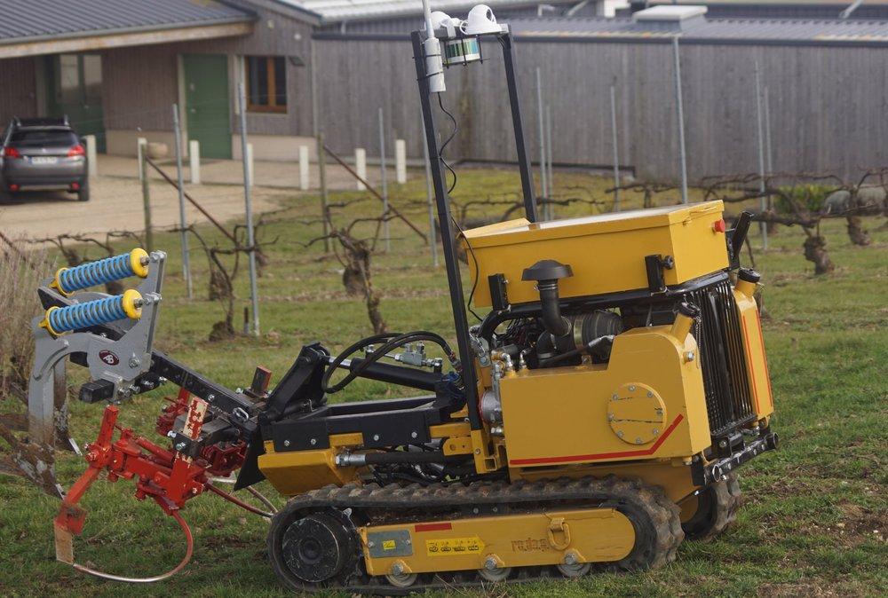 Notre machine en travail du sol
