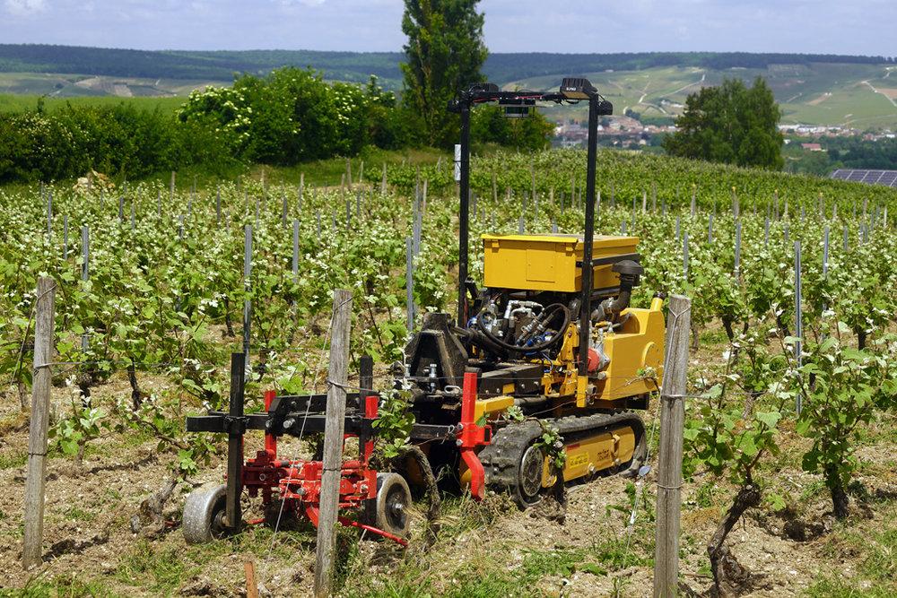 Photo de notre machine en travail du sol
