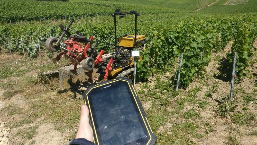 Controle du premier prototype chenillard avec une tablette