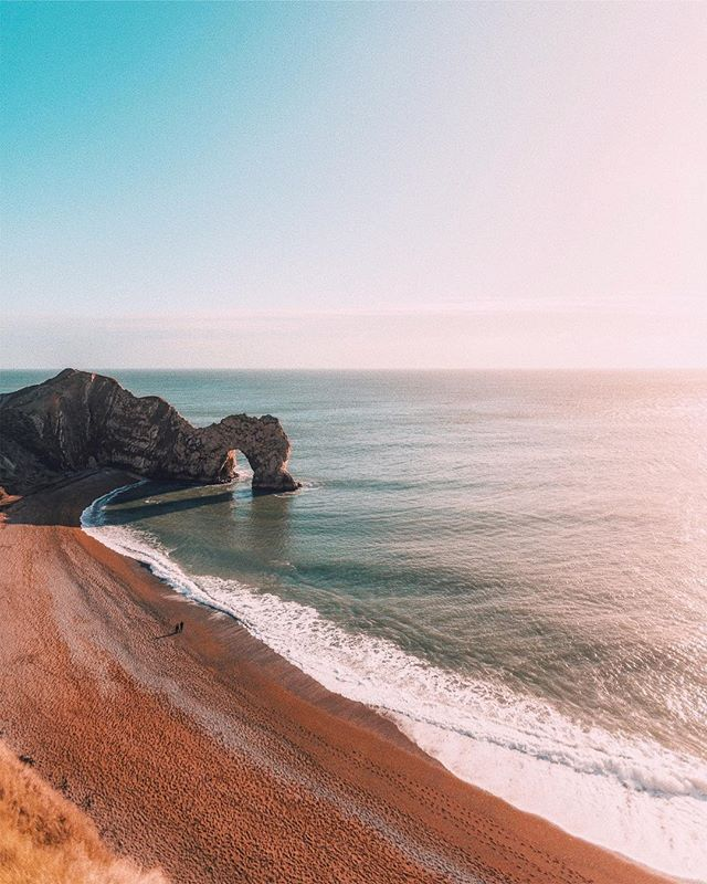 ⟠➳ Another highlight and #tb from this year was photographing more of the UK! The Jurassic coast and then the Lake District later in the year. Go UK! ☀︎