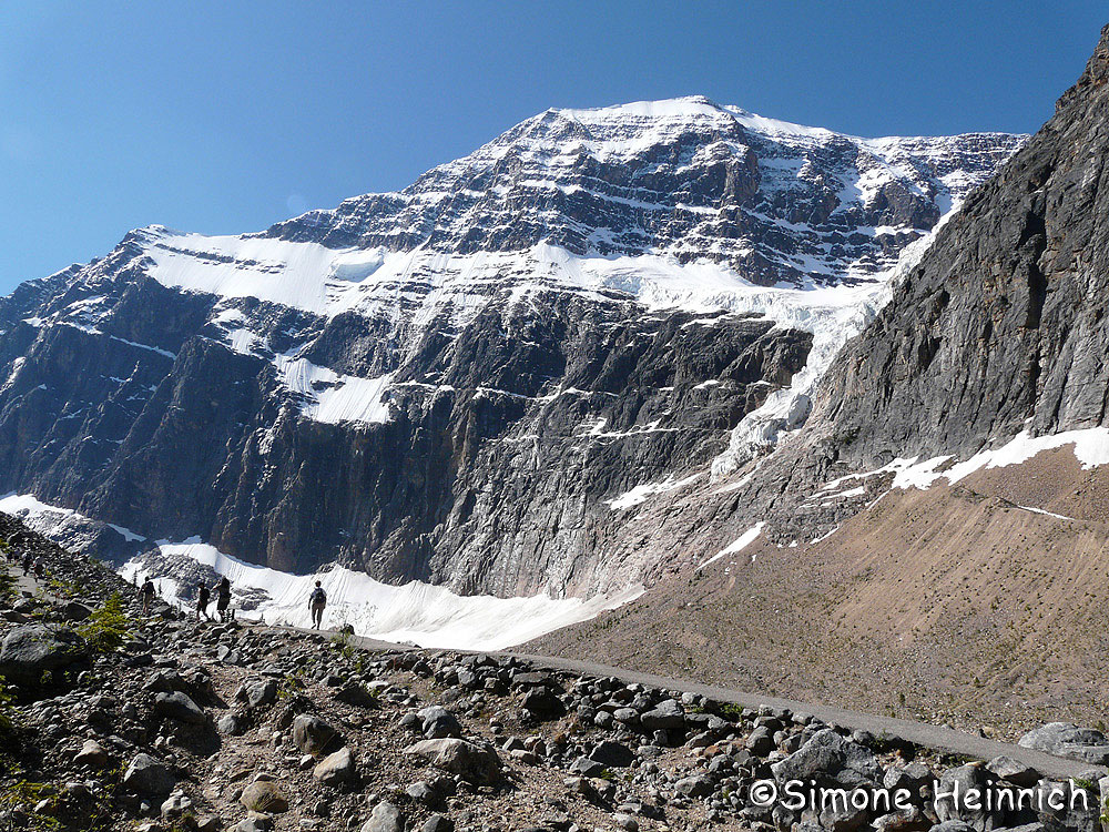 Hiking at Mount Edith Cavell