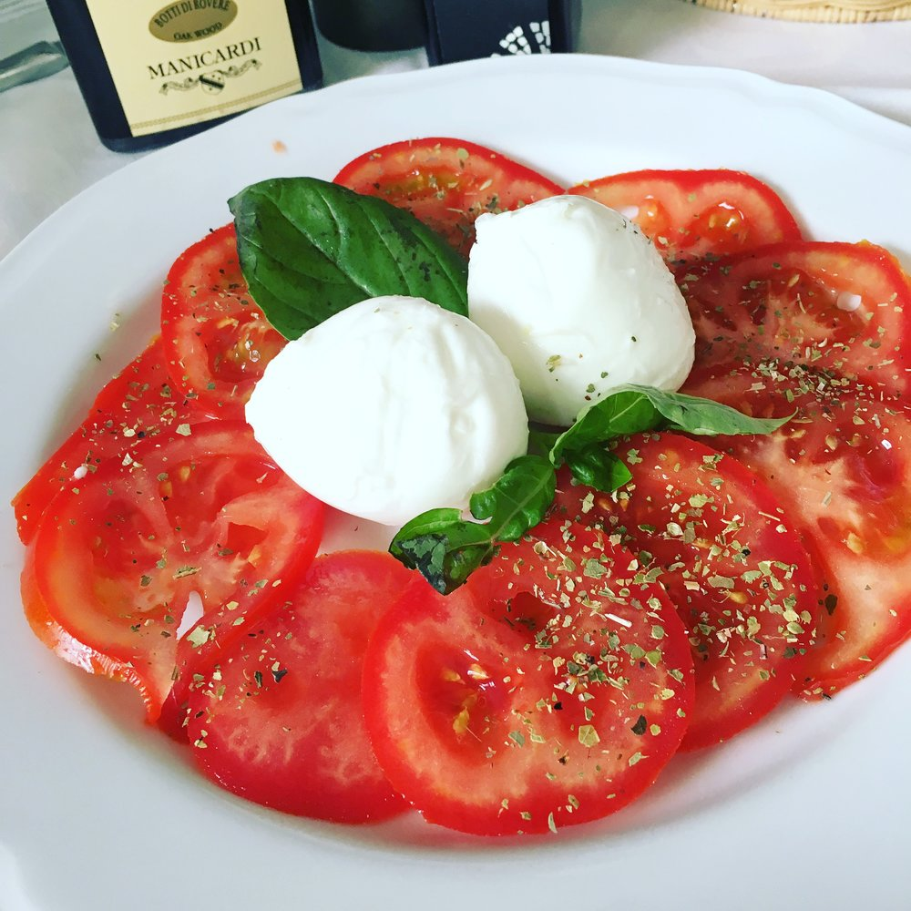 Delicious caprese salad enjoyed during my trip to the Amalfi Coast (Italy) last June. So darn good!