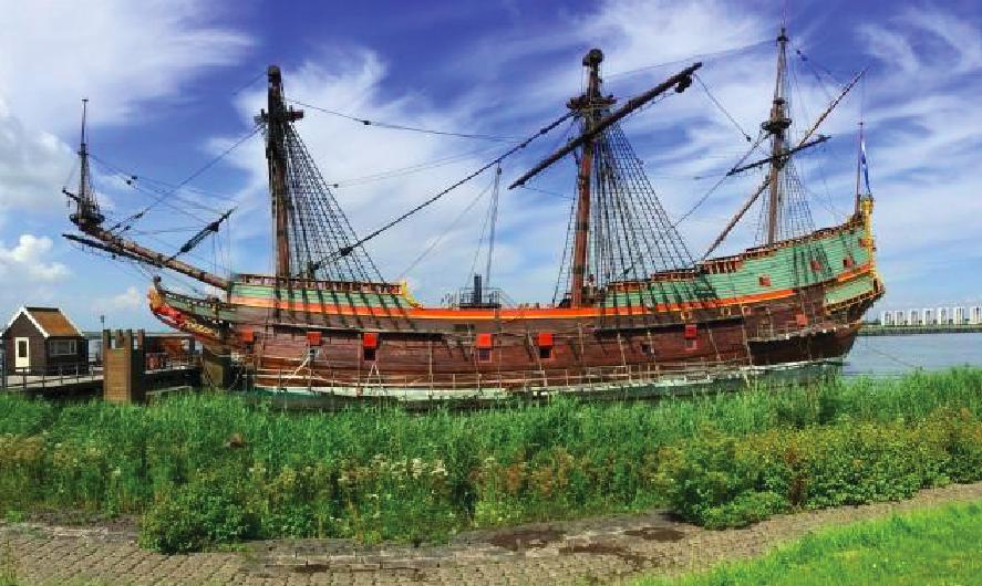 Tip: vlak bij Lelystad heb je de shopping outlet Batavia Stad. 50 m verder ligt de Bataviawerf: een scheepswerf met bijzondere ambities; men reconstrueert er schepen uit de Gouden Eeuw die belangrijk zijn geweest in de Nederlandse maritieme geschiedenis. Dit erfgoed is destijds wegens de beperkte levensduur gesloopt of ligt als scheepswrak op de bodem van de zee. De Bataviawerf haalt de geschiedenis graag boven water. Na de voltooiing van de Batavia in 1995 begon men op de werf met een tweede project 'De 7 Provinciën', een 17de-eeuws admiraliteitsschip waar Michiel de Ruyter vele zeeslagen mee heeft gevoerd.