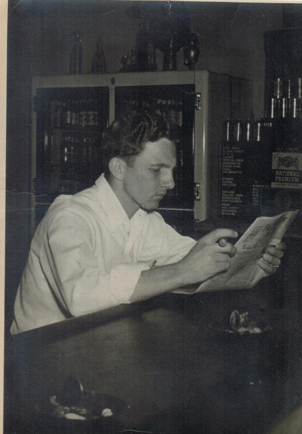 Albert Guenther, bartender