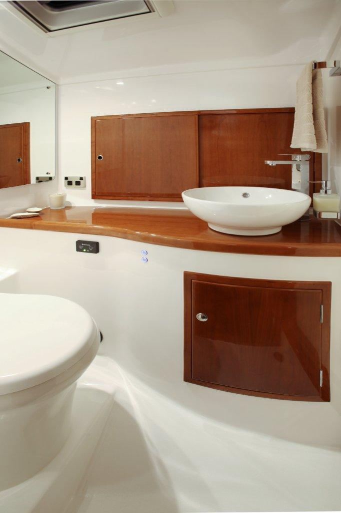 Salthouse Corsair 49E Bathroom