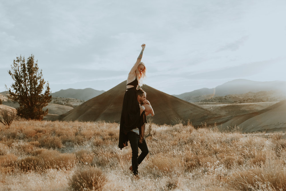 Painted-Hills-Elopement-EARTHBELOWPHOTO.jpg