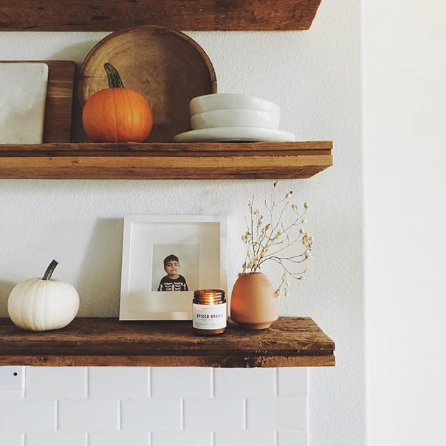 @cabaudoin getting in the fall spirit with our Spiced Orange candle on her beautiful open shelving! 👌🍁 have you checked out the fall line yet? . . #nashvillewaxco #candlerevolution  #nashvillecandle #nashvillecandleco #beeswax #savethebees #100percentorganic #saynotosoy #sustainableproduct #candlecult #nofragranceoil  #beenation #thatsdarling #pursuepretty  #livethelittlethings #keepitwild #morningslikethese #liveauthentic #finditliveit #rsindieshop #makeyousmilestyle #petitejoys #nothingisordinary #howyouglow #foundforaged