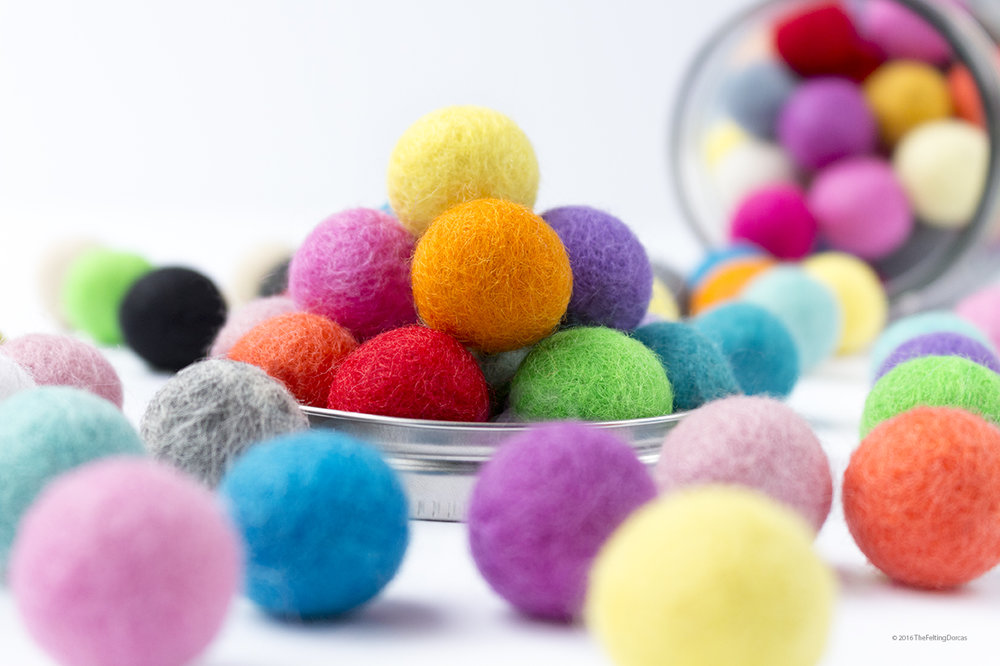 2.5cm Multicolor Felt Ball_1.jpg