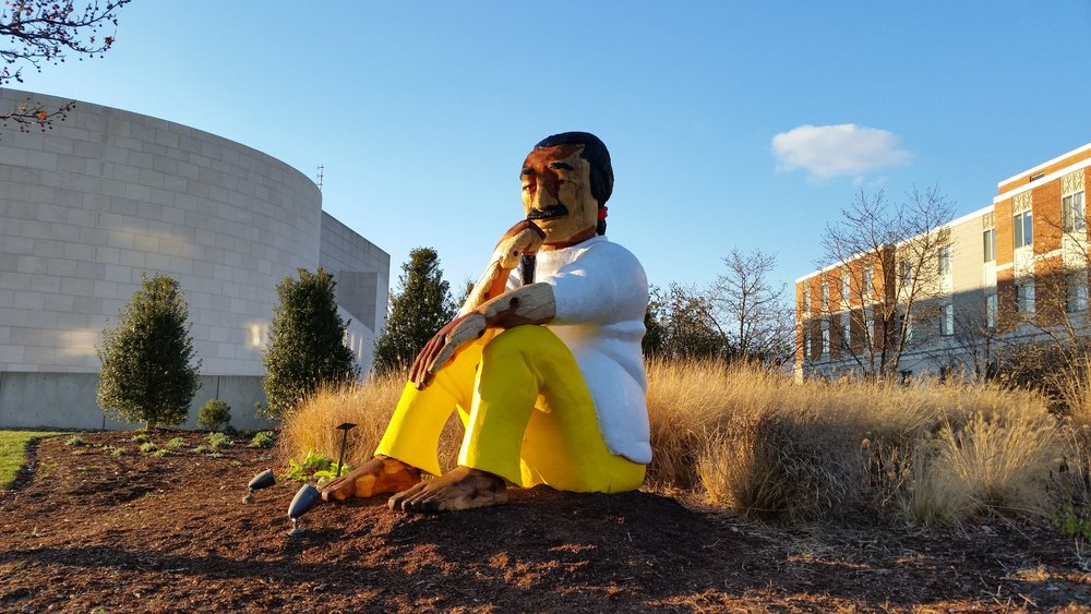 Statue of Leonard Peltier at American University, image courtesy of Rigo 23